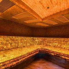 У Литві відкрили першу в світі бурштинову лазню (фото)