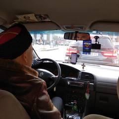 У Дніпрі таксист їздить із прапором РФ та чекає «своїх»