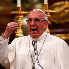 Папа Римський розділив трапезу з тисячами бідняків