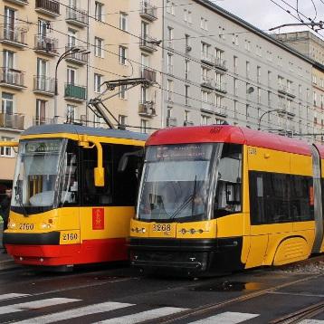 Варшавська влада допомагаєчоловікові знайти дівчину, яку той побачив у трамваї
