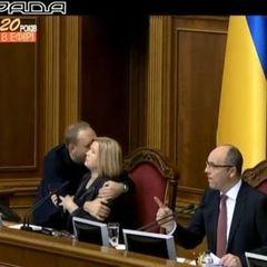 Ірина Геращенко про «обійми» Власенка: Я стримала себе від ляпаса