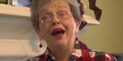 Втрачений перстень повернувся до жінки через 50 років (відео)