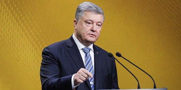 Порошенко: Росія мертвою хваткою вчепилася у свою церковну мережу в Україні