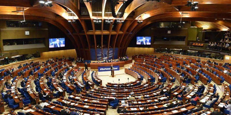 ПАРЄ змінила внутрішні правила, позбавивши українців місць в комітетах