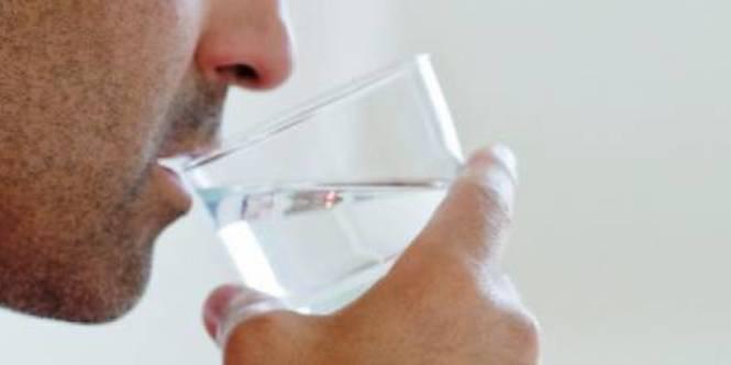 Італійцю видалили шлунок через те, що бармен налив йому миючий засіб замість води