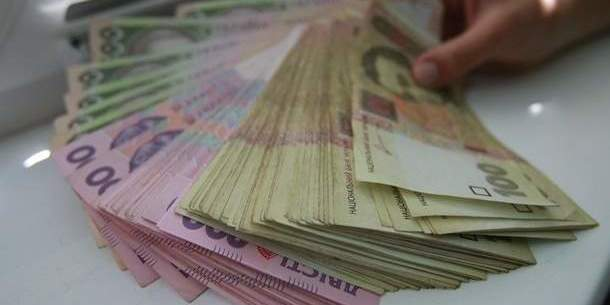 У Держкомстаті кажуть, що середня зарплата в Україні перевищила 10,5 тис. грн