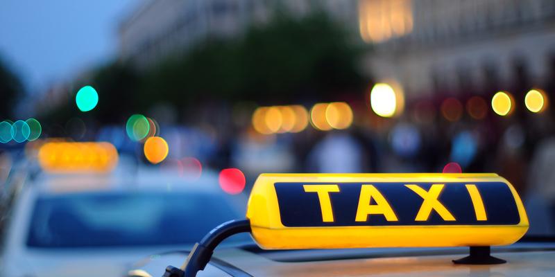 Шотландський турист заплатив майже тисячу доларів за 5-хвилинну поїздку на таксі