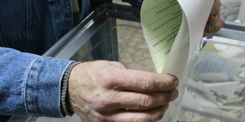 На Донбасі вчителів з погрозами агітують голосувати за Порошенка (відео)