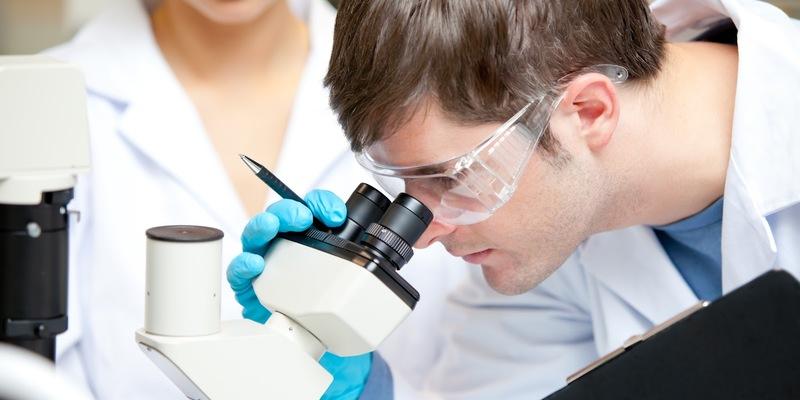 Учені пообіцяли повноцінні ліки проти раку через рік