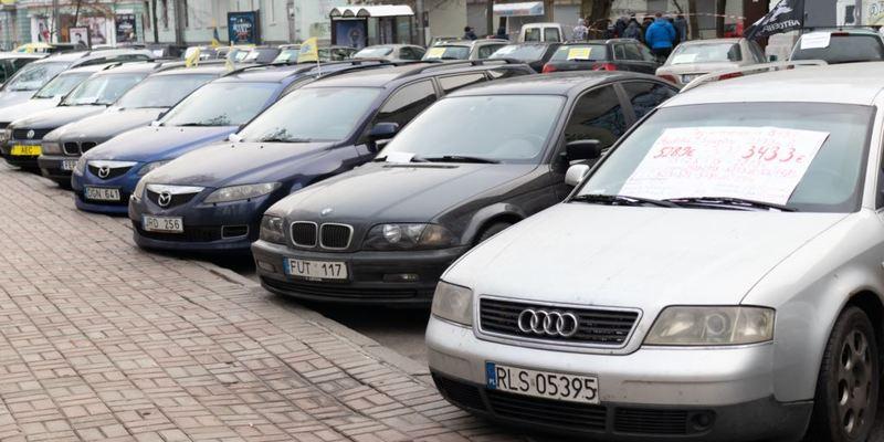 Українці розмитнили вже понад 65 тисяч автомобілів з єврономерами