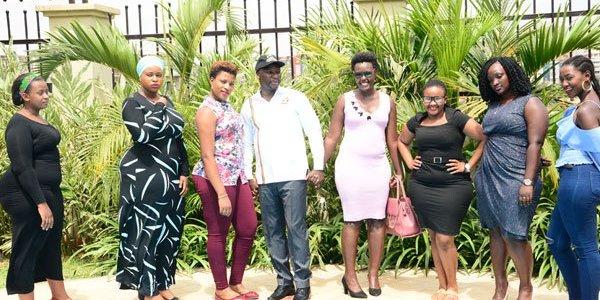 Влада Уганди вирішила привабити туристів пишними жінками