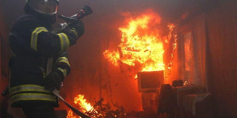 На Дніпропетровщині пожежа забрала життя трьох осіб