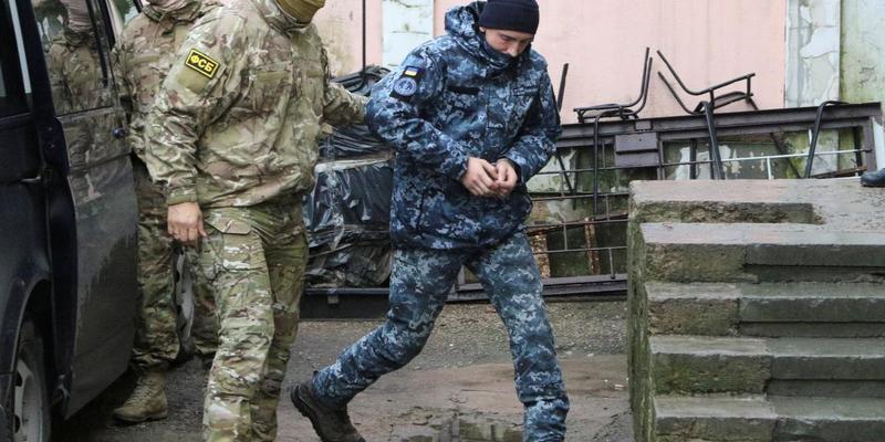 Суд у Москві залишив під вартою до квітня ще 4 українських моряків