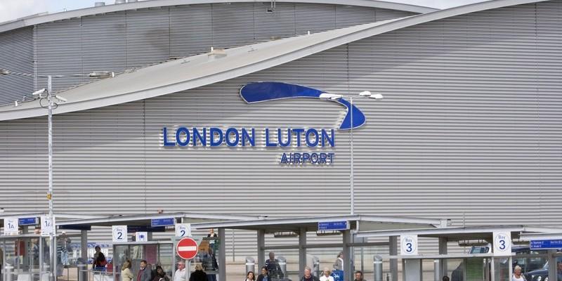 Лондонський аеропорт Лутон змінив назву Kiev на Kyiv