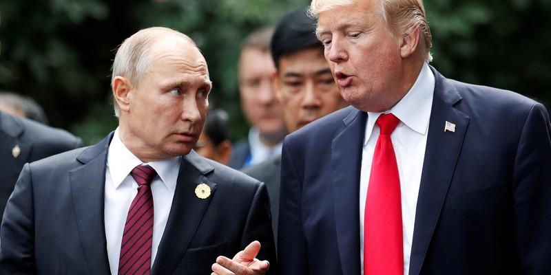 На День Валентина Трамп міг би звозити Путіна в романтичні Гельсінкі або віддати свої ядерні коди