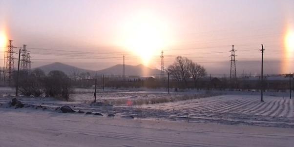 Над Китаєм зійшло відразу три сонця: унікальне явище (відео)
