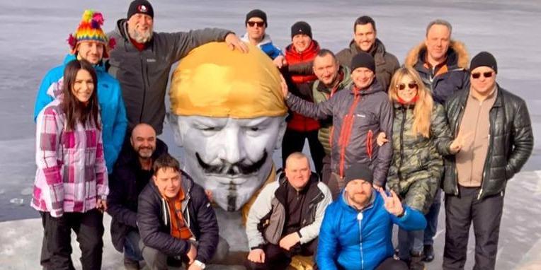Дніпровські дайвери втопили Леніна (відео)
