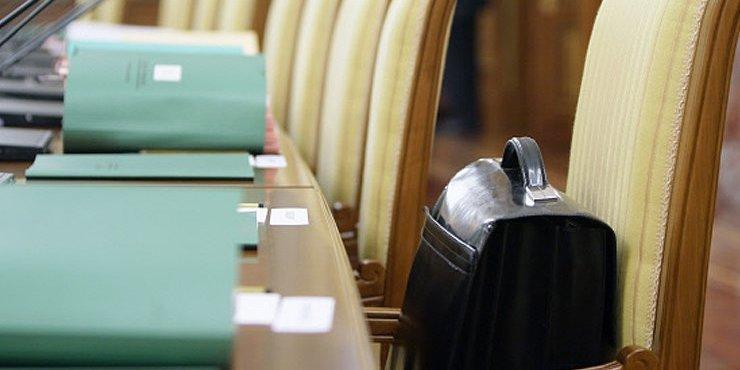 На одну вакантну посаду у держслужбі претендує понад 30 осіб