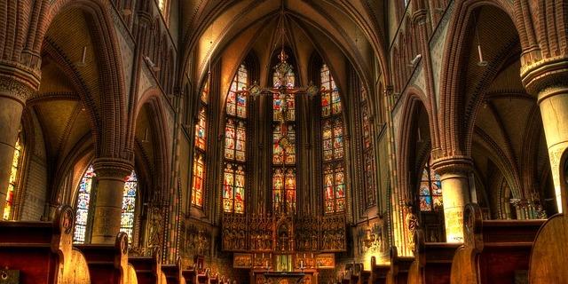 Папі римському доповіли про сексуальне насильство з боку священиків у Польщі
