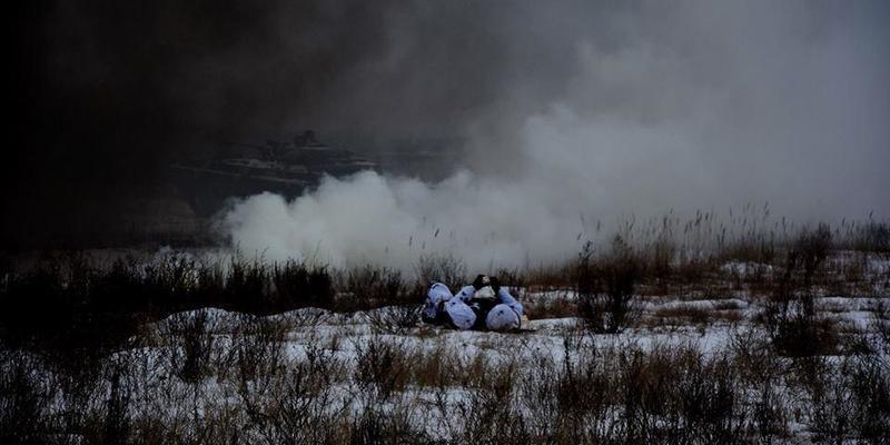 Минулої доби на Донбасі дістав поранення один український військовослужбовець