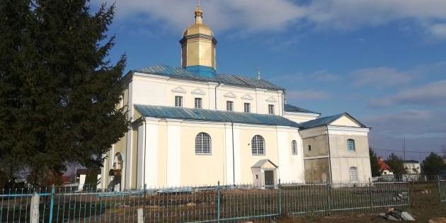 На Волині священик «УПЦ МП» відкрив стрілянину через перехід громади до ПЦУ - очевидець