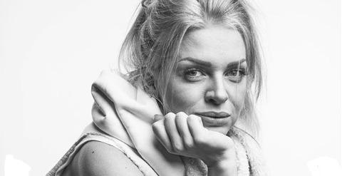 Постраждала в аварії актриса «Дизель шоу» розповіла про самопочуття після операції