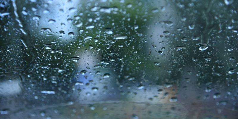В Україні сьогодні пройдуть дощі та мокрий сніг, на заході температура до +7° (карта)