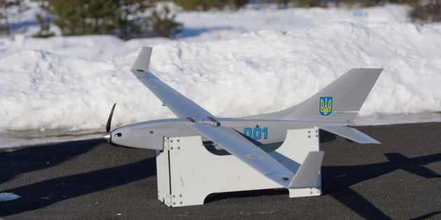 Українські військові випробували модернізований дрон Spectator