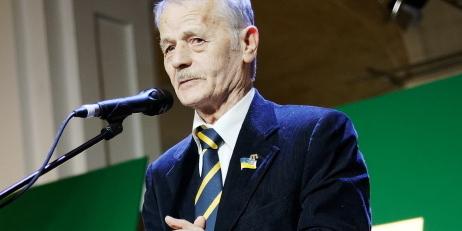 Відомі політики відвідали виставку про Крим (фото)