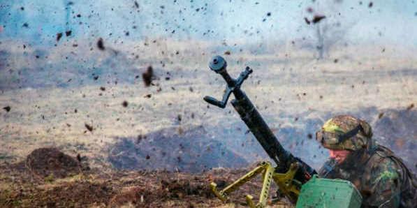 Бойовики посилили обстріли на Донбасі: один військовий поранений