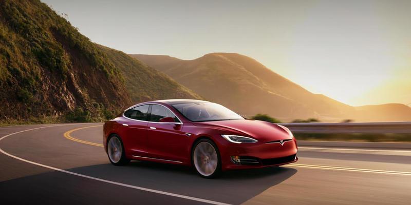 Маск пообіцяв показати новий електрокар Model Y в березні