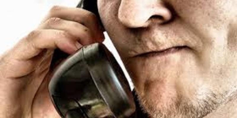 До 1618 дзвінків на добу: чоловік телефонував у «103», щоб розповісти про відверті фантазії
