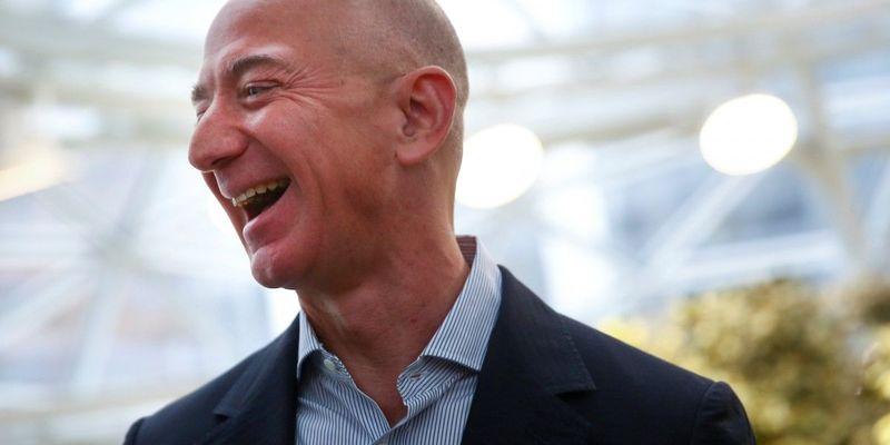 Засновник Amazon зберіг першу позицію в рейтингу найбагатших людей світу