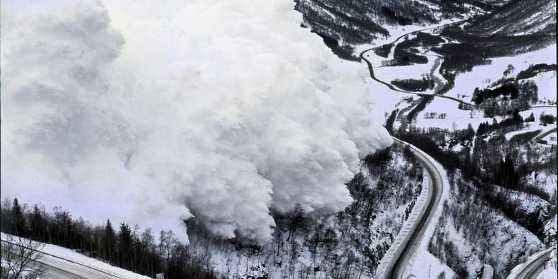 Синоптики попередили про лавинну небезпеку в Карпатах