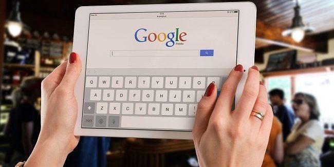 Вишивка пенсіонерки з України стала аватаром аккаунту Google в соцмережі (фото)