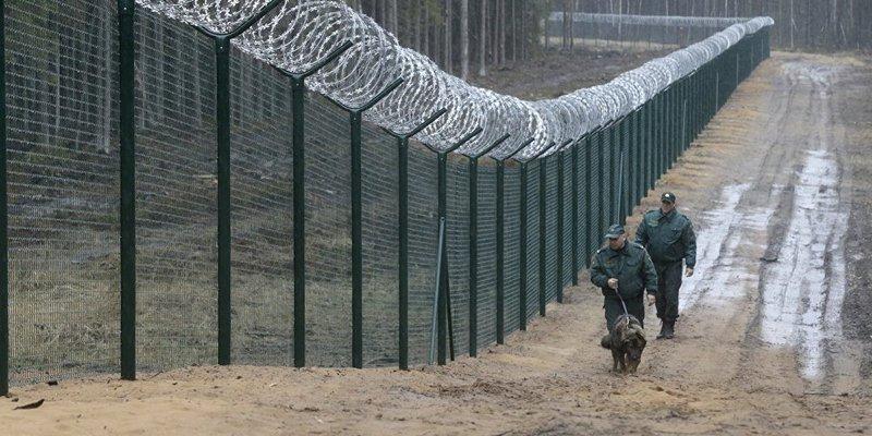 Латвія побудувала паркан на кордоні з Росією