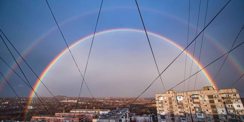 У небі над Донецьком побачили рідкісне явище природи (фото)