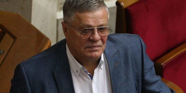 Парубій відключив мікрофон «опоблоківцю», який відмовився виступати українською (відео)