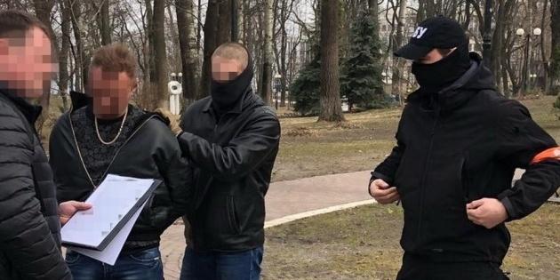 Радник МВС вимагав хабар у власників київських ломбардів