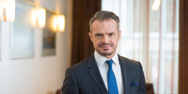 На посаді голови «Укравтодору» Новак заробляє більше, ніж міністром у Польщі