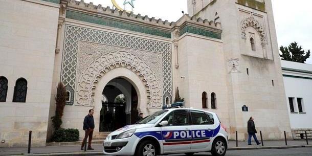 У Новій Зеландії триває спецоперація через стрілянину у мечетях
