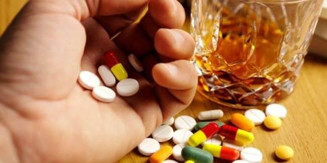 Які поєднання ліків з їжею є небезпечними