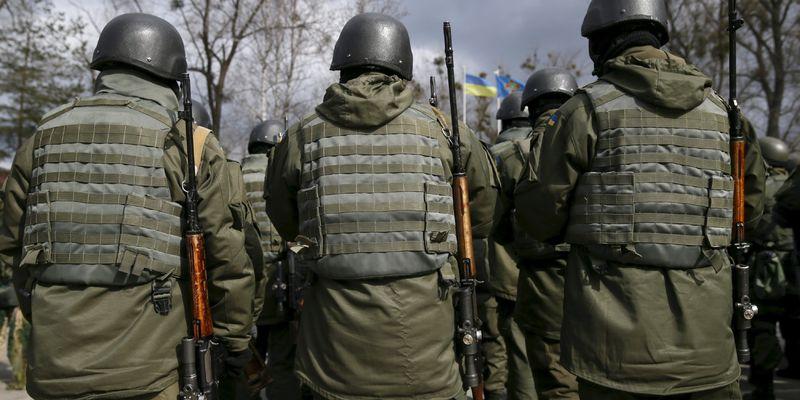 Десантники і снайпери на передовій з 1 квітня отримуватимуть по 24 тисячі гривень