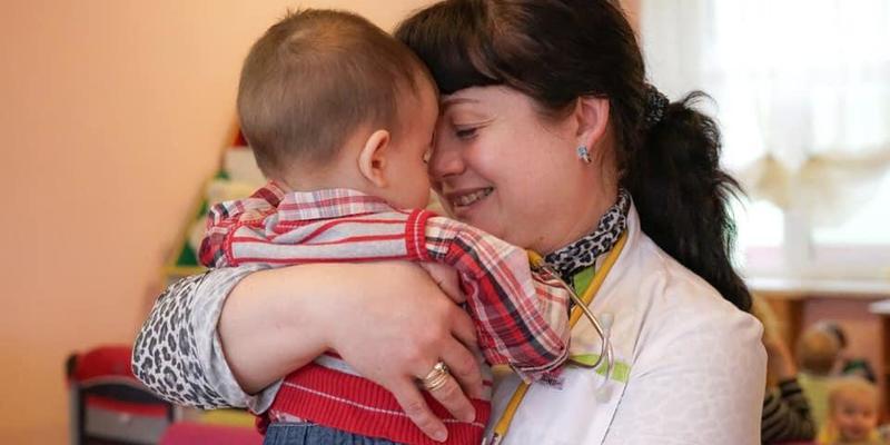 Народила і покинула: українського малюка повернули з Росії та шукають родину