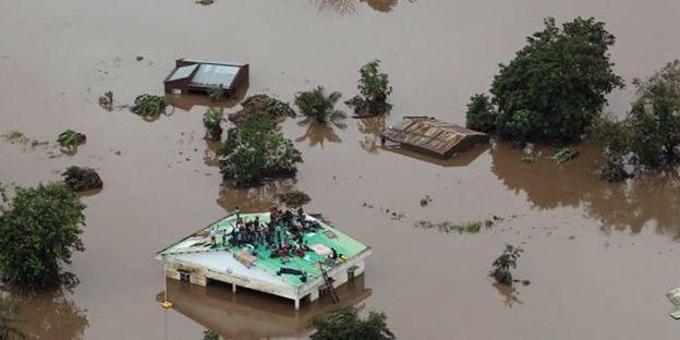 Тайфун забрав життя сотень людей в південній Африці