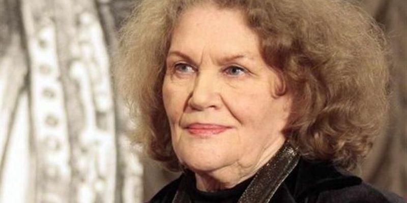 Поетеса Ліна Костенко сьогодні святкує 89-й день народження