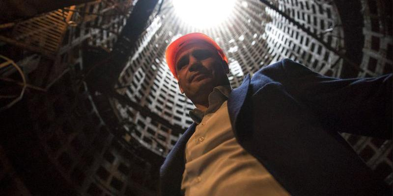 Кличко зробив селфі в монтажній шахті метро на Виноградар (фото)