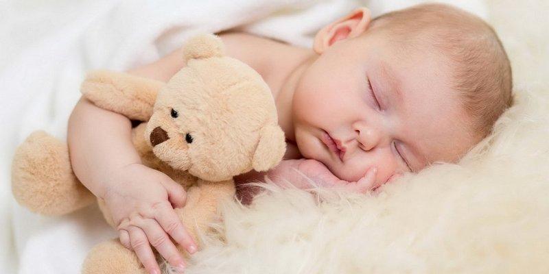 Українські чоловіки зможуть брати оплачувану відпустку з народженням дитини
