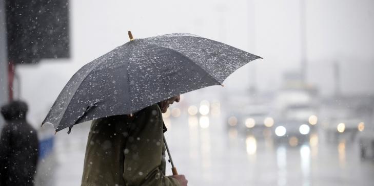 В Україні сьогодні очікується прохолодна погода, місцями пройдуть дощі (карта)
