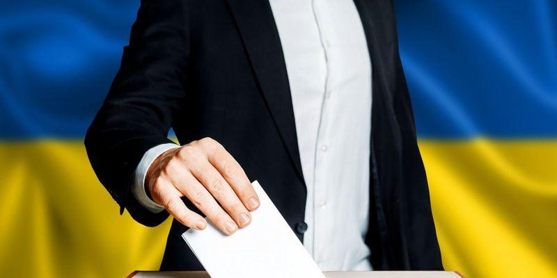 Багато людей не знають, що вибори відбудуться 31 березня, - Комаровський (відео)